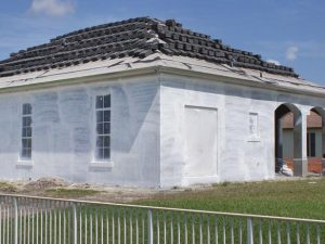 Original_painting-house-exterior-priming-sherry-rauh_s4x3.jpg.rend.hgtvcom.616.462