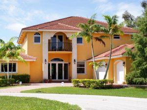 Original_painting-house-exterior-yellow-intro-sherry-rauh_s4x3.jpg.rend.hgtvcom.616.462