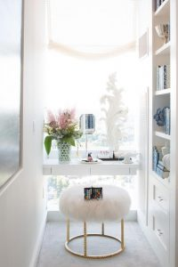 Ruby-Media-Group_Ritz-Carlton-PH_Guest-Suite-Make-Up-Nook.jpg.rend.hgtvcom.616.924
