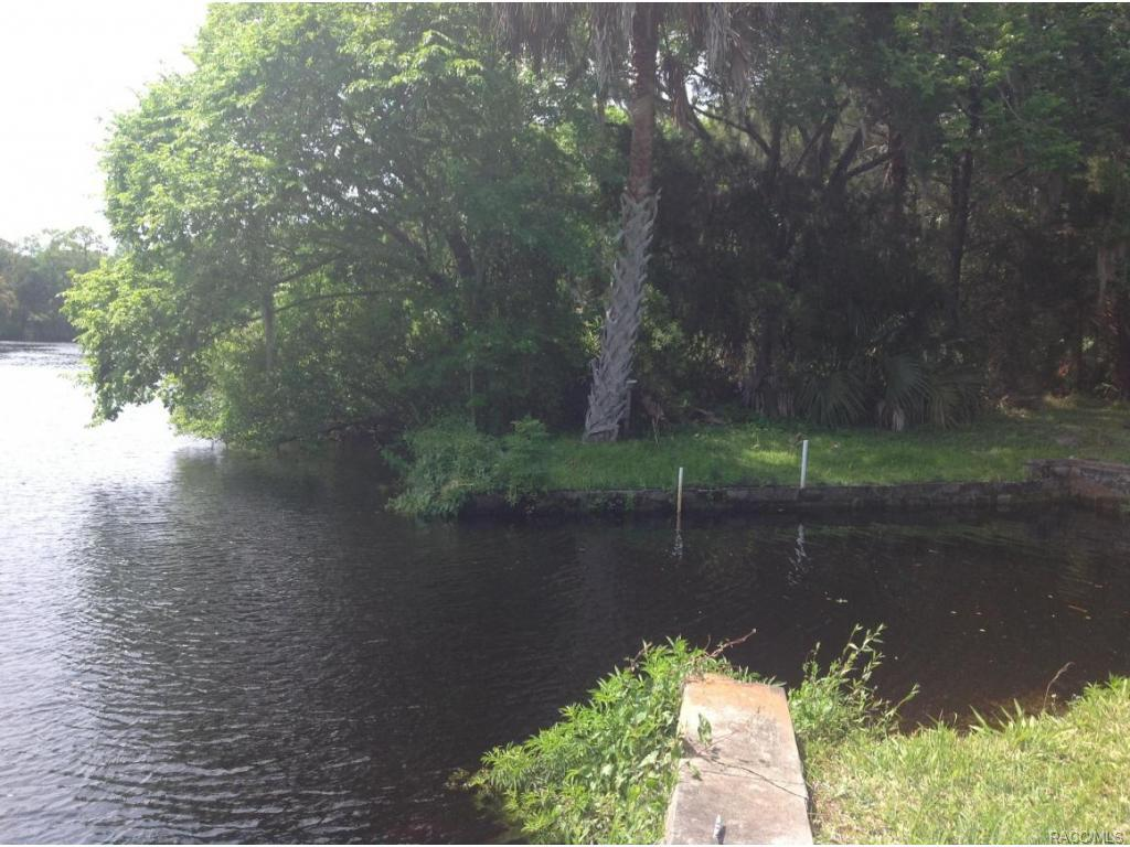 0-Riverside-Yankeetown-FL-34498