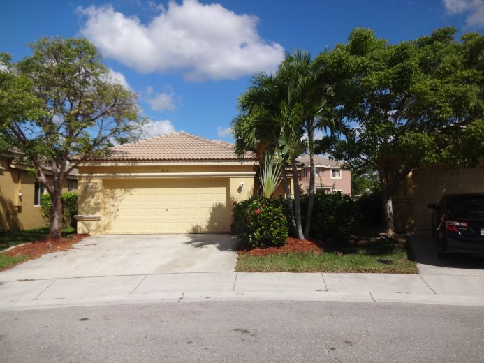 home for sale by owner in weston